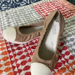 Tan canvas FitFlops size Euro 38